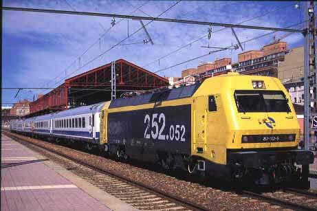 Locomotora RENFE 252 Original
