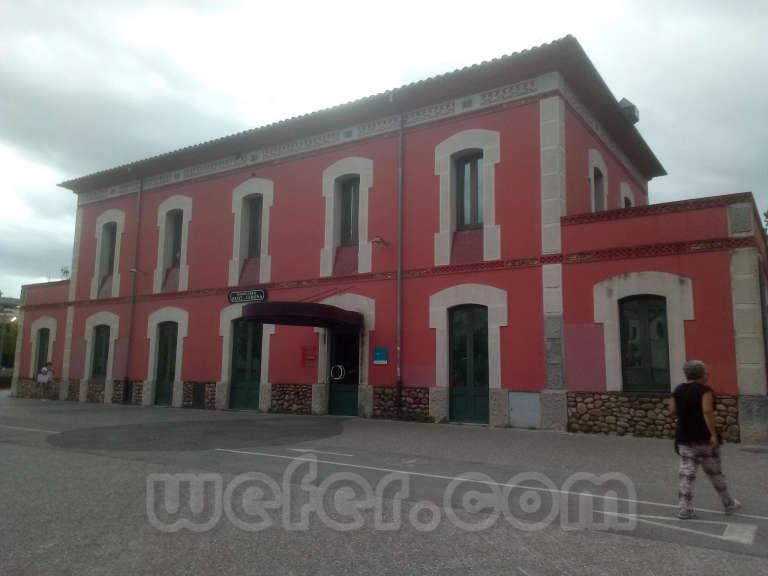 Renfe / ADIF: Girona - 2020 (estación antiguo Carrilet Olot)