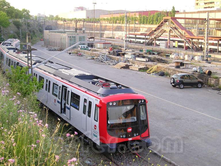 Renfe / ADIF: Sabadell Sud - 2007 - Llegada de nuevo tren Metro de Barcelona