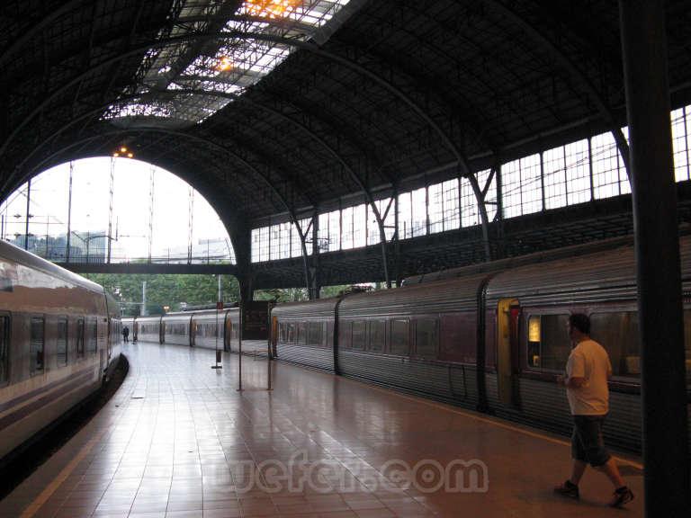Renfe / ADIF: Barcelona - Estació de França - 2009