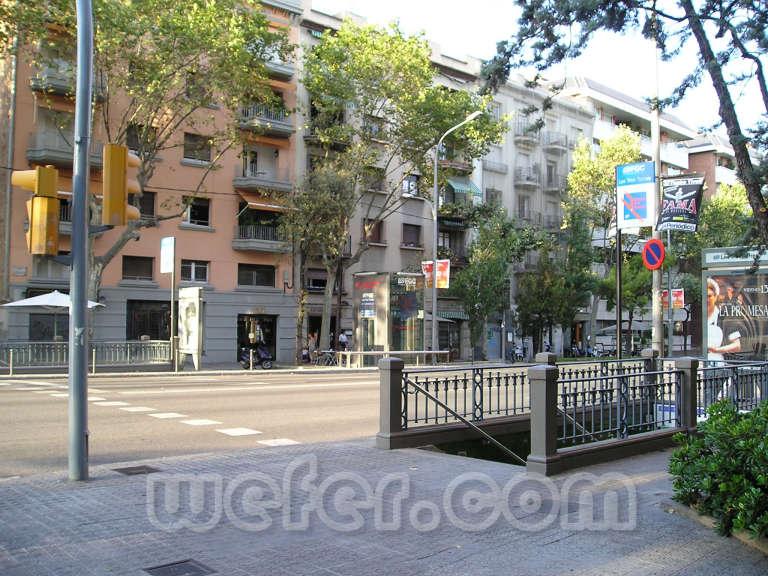 FGC Barcelona Les Tres Torres