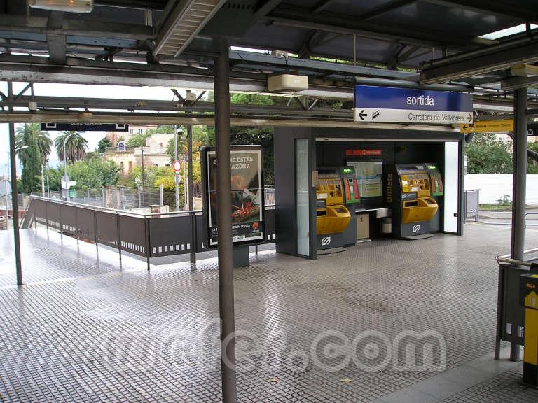 FGC Barcelona Peu del Funicular - Novembre de 2004