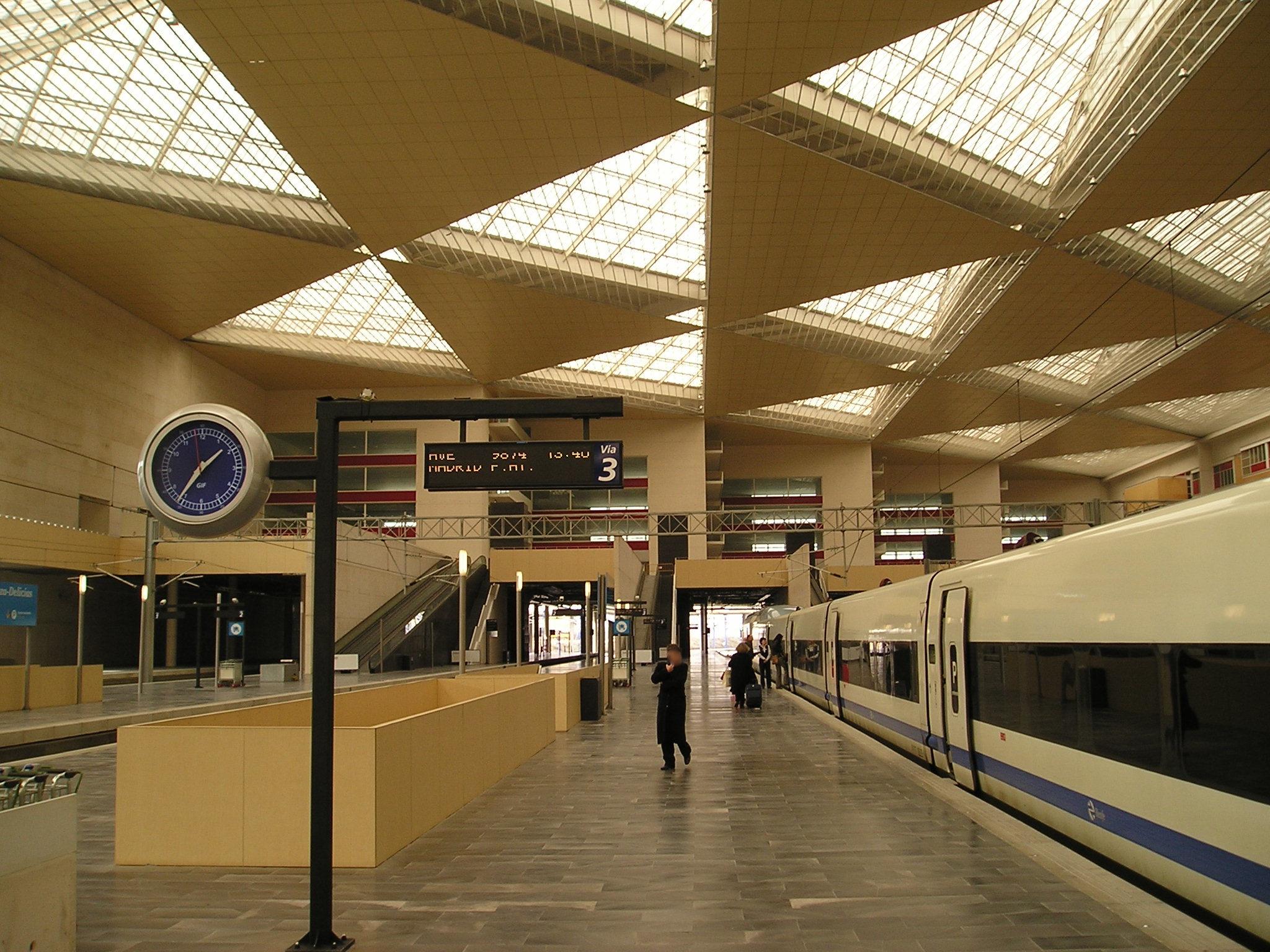 Renfe / ADIF: Zaragoza - Delicias